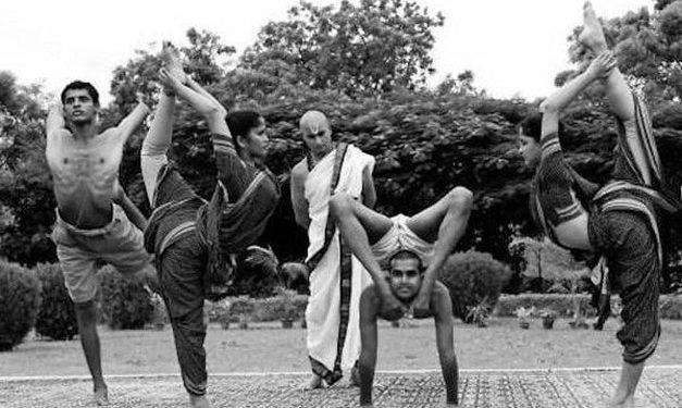 Muestra de yoga Ashtanga de krishnamacharya